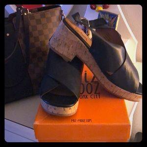 💞Miz Mooz Black Leather Sandals, Never Worn!💞